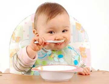 شروع تغذیه تکمیلی کودک،بهترین زمان شروع تغذیه تکمیلی