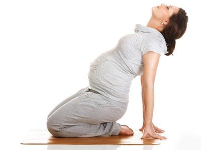 علت کمردرد در بارداری,علت کمردرد در بارداری چیست,علت کمردرد در بارداری