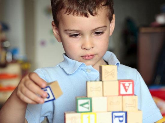 ده چیزی که هر کودک دارای اوتیسم دوست دارد شما بدانید