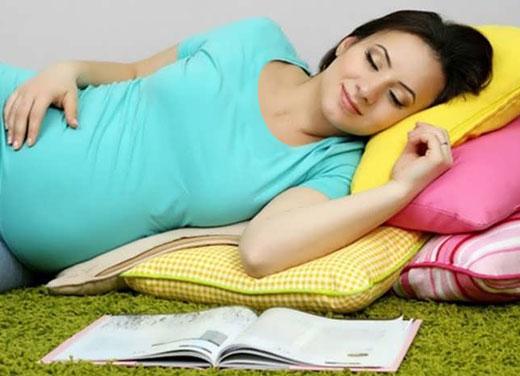 چطور بر بیخوابیهای دوران بارداری غلبه کنیم؟