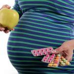 چرا باید در بارداری اسید فولیک بخوریم؟